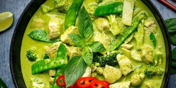 Easy Halal Chicken Thai Green Curry