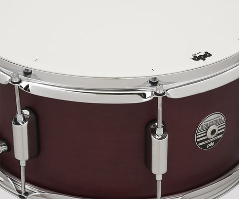 PDP by DW PDST6514SSRD  Spectrum 14x6.5 Cherry Stain Snare Drum