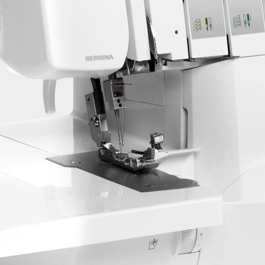 Bernina L 460 with exact speed control available in Canada at The Quilt Store