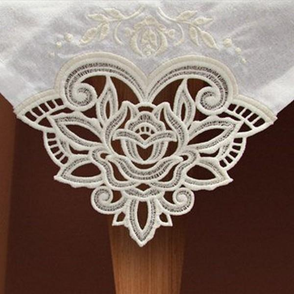 OESD Freestanding Lace Tablecloth & Napkin Corners