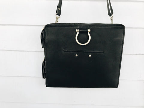 Sapahn M Crossbody Black