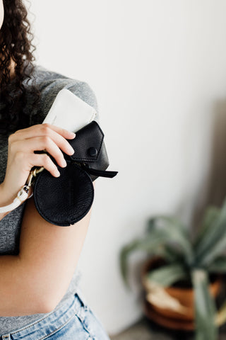 Rose coin purse in black raw leather