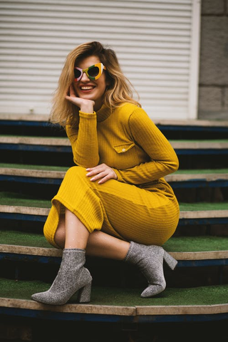This lively outfit has pantone illuminating yellow as the star with ultimate gray accessories
