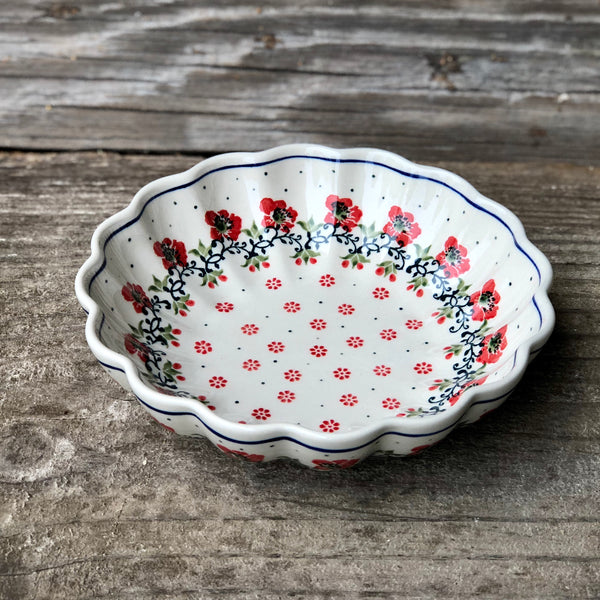 "7"" Scalloped Bowl, CA"