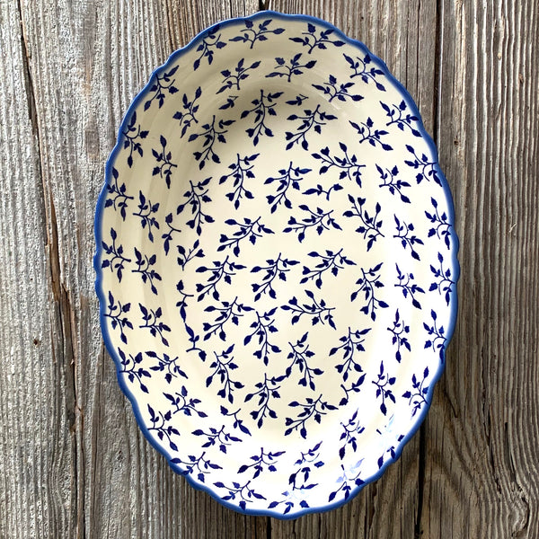 Large Scalloped Platter Manufactura