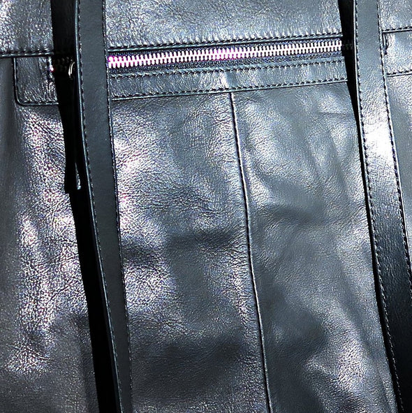Architect Italian Leather Backpack in Black, rear close up - Made in Italy (2534544244821)