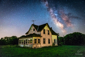 Abandoned home outside of Eau Claire with the Milky Way Galaxy in the night sky.