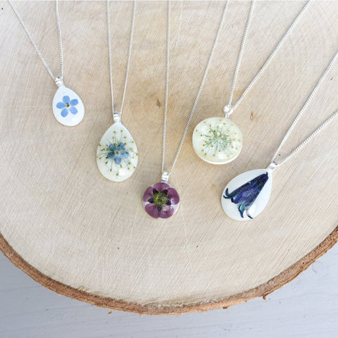 Lumii Home - Pretty Pressed Flower Resin Jewellery