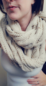 Load image into Gallery viewer, SALE!! Cable Knit Infinity Scarf