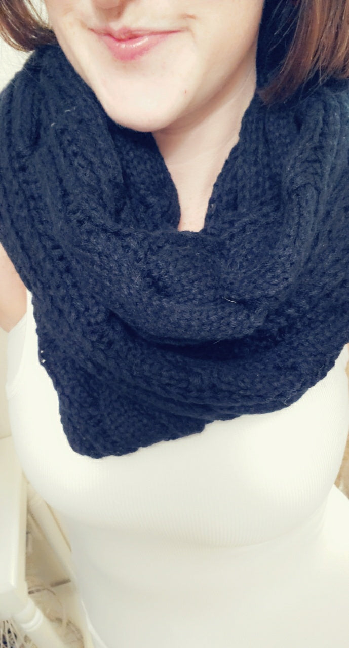 SALE!! Cable Knit Infinity Scarf