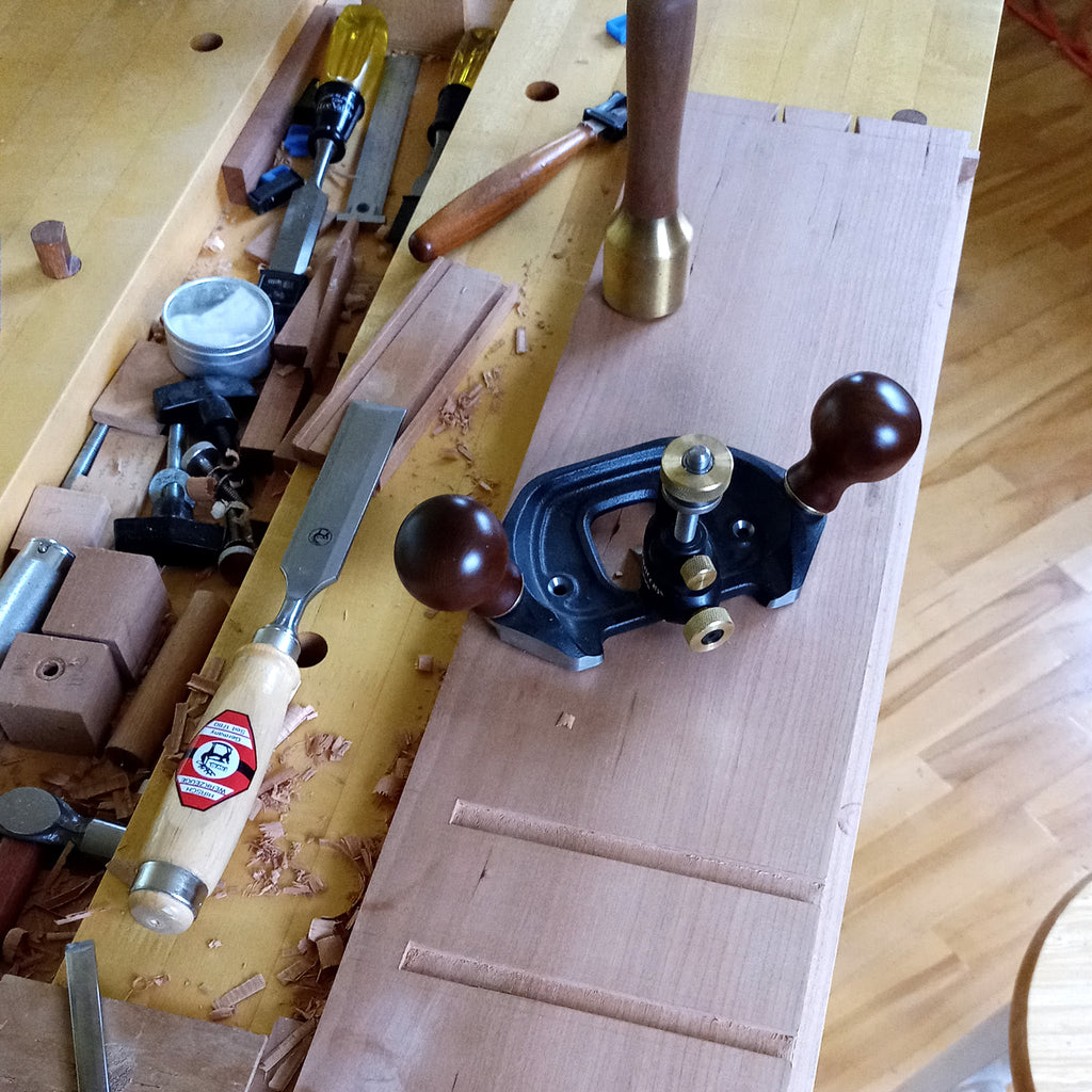 Creating dadoes for drawer dividers