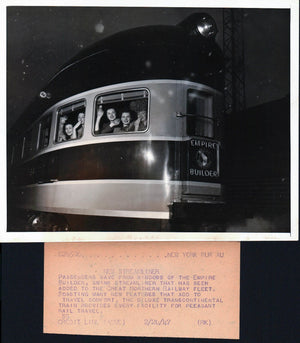 1947 Press Photo Empire Builder NY Streamliner Deluxe Train Car Full of Women