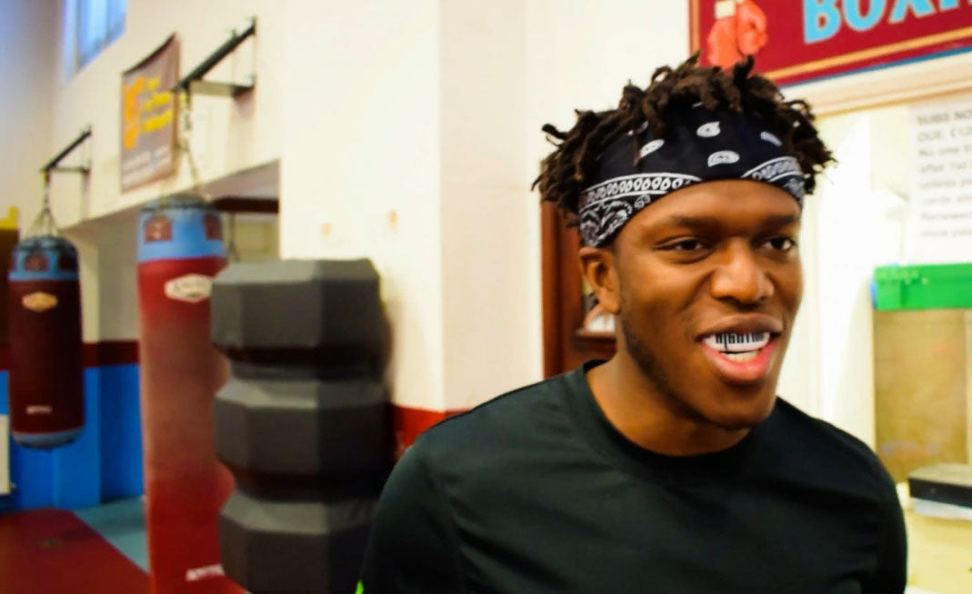 KSI Gets fitted up with a SAFEJAWZ Custom Series mouthguard.