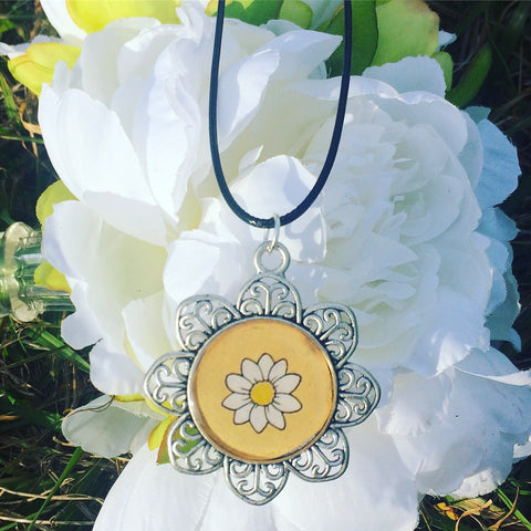 Daisy Necklace - Yellow