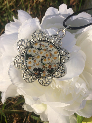 Daisy Necklace - White