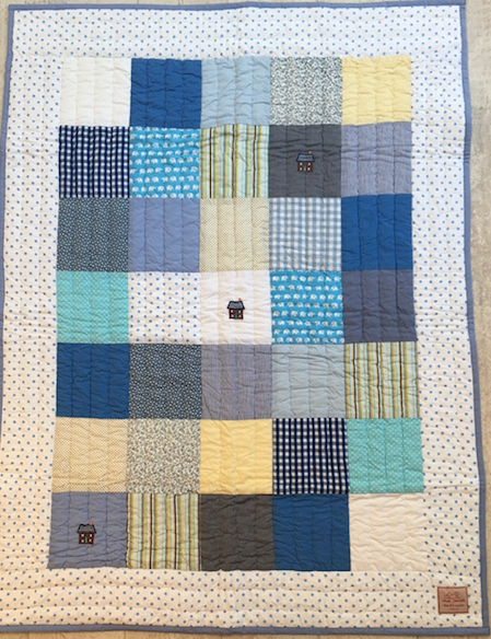 Cot Quilt - house - blue dot