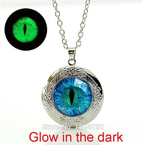 NEW ARRIVAL. Cat Eye Art Picture Locket Necklace - Glowing in the dark - QualityGrab