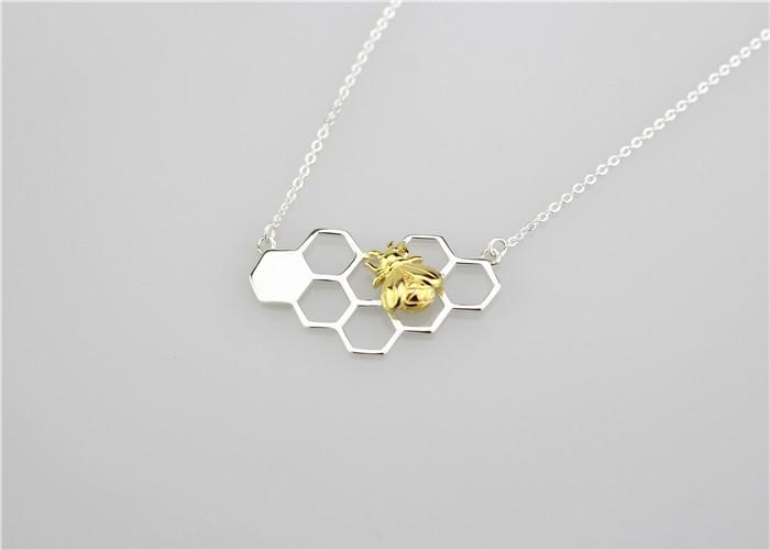 Made of 100% ★925 Sterling Silver★ Silver Bee On The Honeycomb Necklace. FREE WORLDWIDE SHIPPING! - QualityGrab