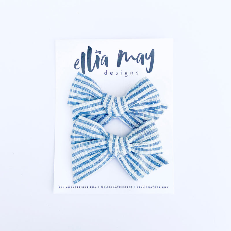 Chambray Beach Stripe - Mini Twirl Piggie Clips