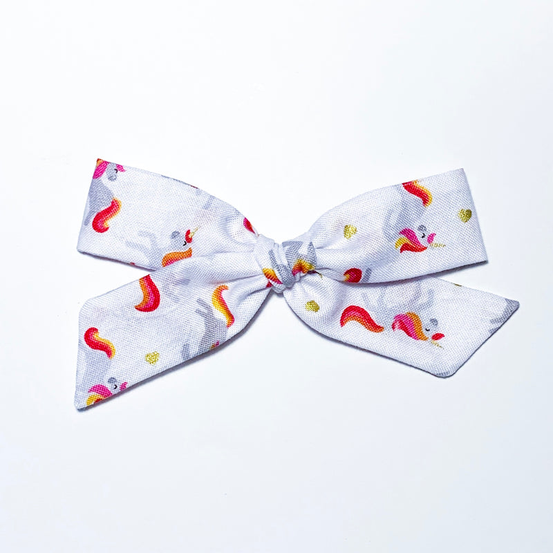 Unicorns on White - Oversized Knot
