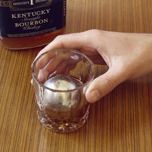 boules-a-whisky,whiskey-balls,glace,whisky,drink,drinks,cocktail,cocktails,mocktail,mocktails,whisky,whiskey,alcool,froid,acier-inoxydable,inox,montreal,ahuntsic,casa-luca,boutique-casa-luca,promenade-fleury,rue-fleury