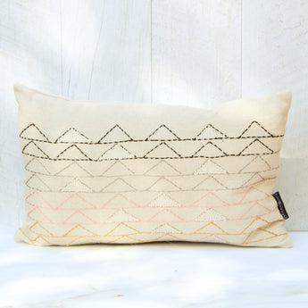 coussin,rectangle,motif,triangle,triangle,coton,decoration,brode,boutique,montreal