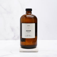 savon-recharge-1L-la-vie-orange-et-citron,la-vie-apothicaire,montreal,vegan,idee-cadeau,fait-au-quebec,fabrique-au-quebec,montreal,boutique-casa-luca,boutique-montreal,recharge,savon,orange,citron