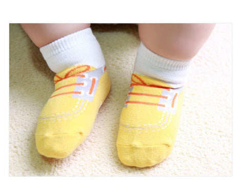 Six pack Newborn/Infant non skid Shoes Socks