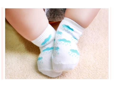Six pack Newborn/Infant non skid Sky Socks