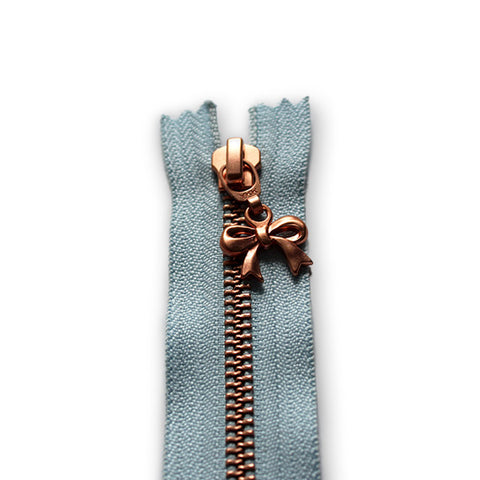 18cm Zip Copper Bow Baby Blue 542