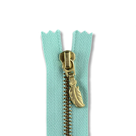 18cm Zip Gold Feather Spearmint 533