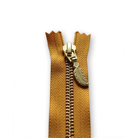 18cm Zip Gold Feather Mustard 846