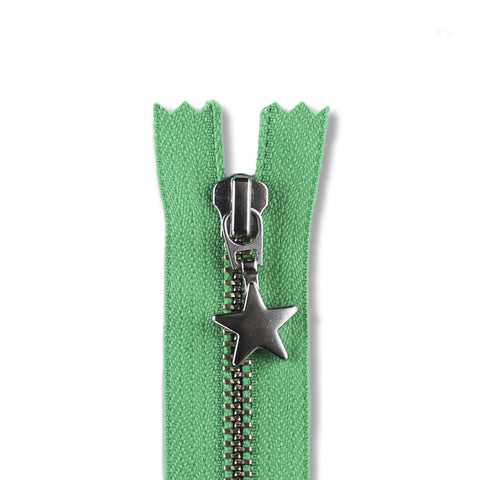 18cm Zip Silver Star Spring Green 148