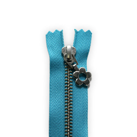 18cm Zip Silver Open Flower Dark Azure 547