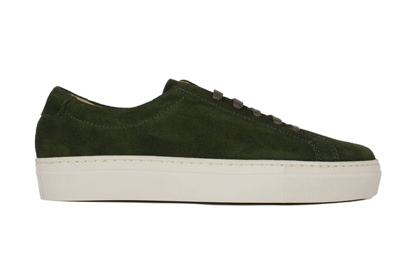 Green' Sneakers Walk Around