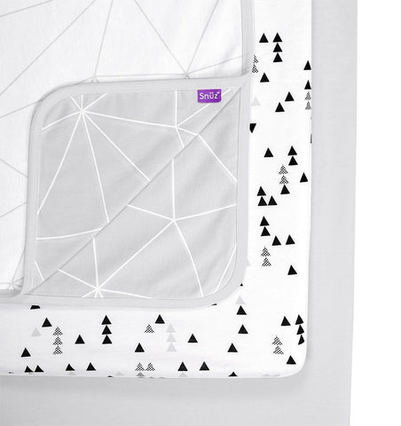 Buy the Snüz 3 Piece Crib Bedding Set in Geo Mono by SNUZ from Me and Buddy