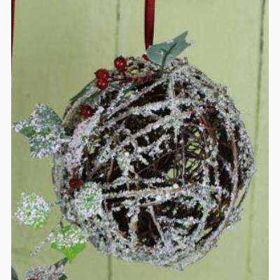 Snowy Twig Pomander w/Ivy & Berries - Small