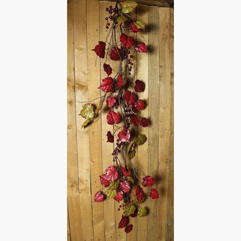Mixed Waxed Leaf & Redcurrant Garland