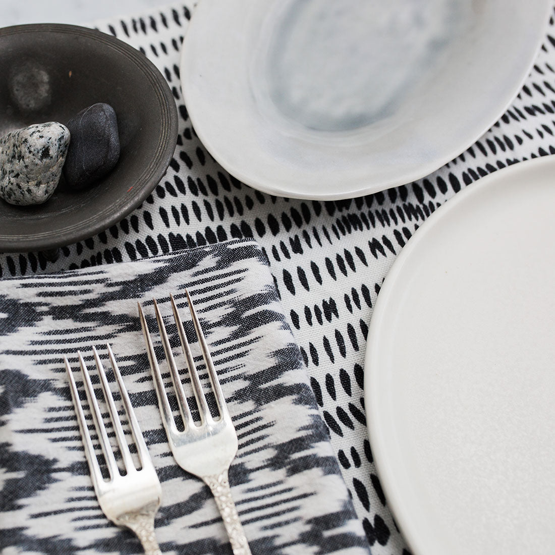 Play with graphic black and white but update it with subtle tonal shifts. Use painterly and woven patterns as they have a softer look than graphic ... & 3 Neutral Table Settings that Aren\u0027t Boring \u2013 Rebecca Atwood Designs