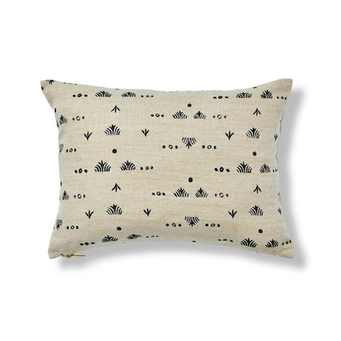 "Grass Pillow Cover in Black/Natural 12""x16"""