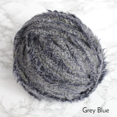 Ragged Life Rag Rug Blanket Yarn 100% Wool for Rag Rugging Crochet in Strips in Grey Blue Fluffy