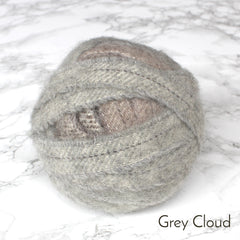 Ragged Life Rag Rug Blanket Yarn 100% Wool for Rag Rugging Crochet in Strips in Grey Cloud