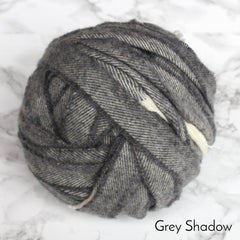 Ragged Life Rag Rug Blanket Yarn 100% Wool for Rag Rugging Crochet in Strips in dark grey shadow