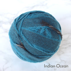 Ragged Life Rag Rug Blanket Yarn 100% Wool for Rag Rugging Crochet in Strips in Indian Ocean Blue