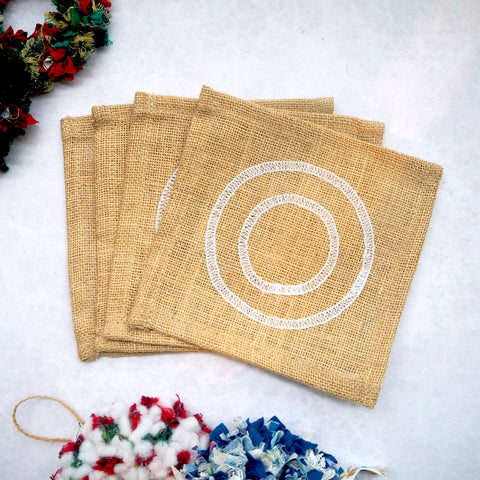 Mini rag rug wreath hessian beginners project with spring tool