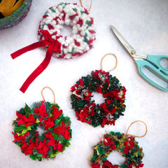 Small rag rug Christmas decorations