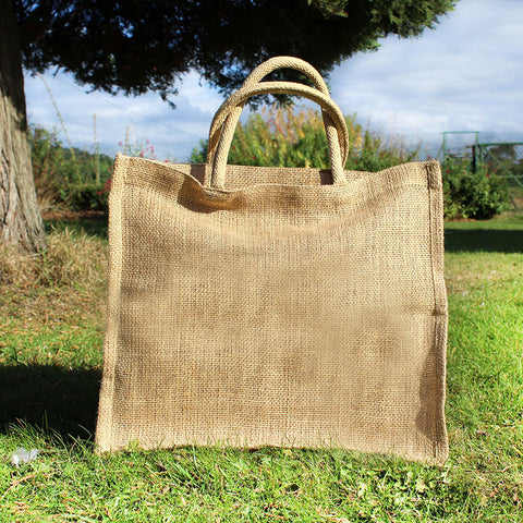 hessian / burlap shopping bag carrier for a handmade rag rug pattern