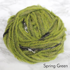 Ragged Life Rag Rug Blanket Yarn 100% Wool for Rag Rugging Crochet in Strips in Spring Green Bright