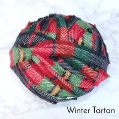 Ragged Life Rag Rug Blanket Yarn 100% Wool for Rag Rugging Crochet in Strips in Winter Tartan Red Blue Green