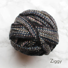 Ragged Life Rag Rug Blanket Yarn 100% Wool for Rag Rugging Crochet in Strips in Ziggy Black with Multicoloured Stitching